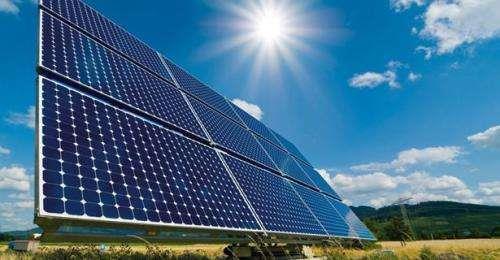 湖南娄底首个大型光伏电站并网发电 装机容量19.97MW