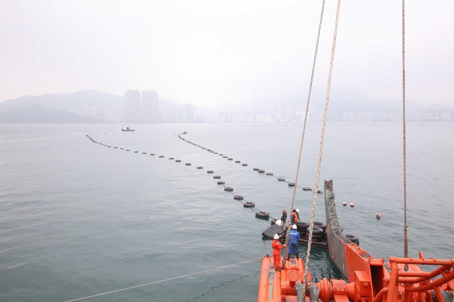 """香港""""将军澳快车""""海底电缆正式投入使用"""