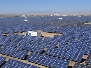 安徽省能源局局长调研淮南光伏及风电项目建设情况