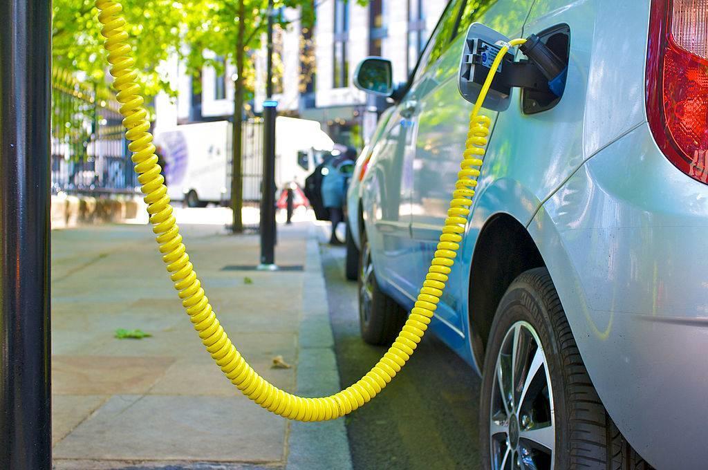 比亚迪预计中国在十年内转型到新能源汽车