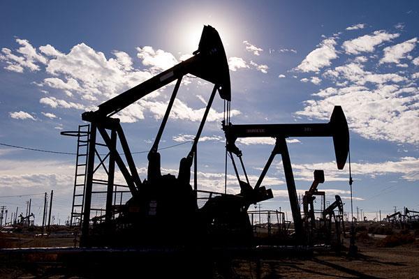 伊朗最大油田阿扎德甘项目招标再度延期