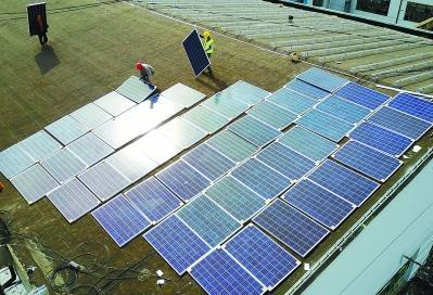 公交场站屋顶铺设光伏发电板