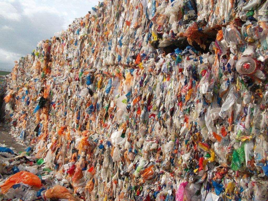 """海关开展打击""""洋垃圾""""专项行动 稽查废塑料问题企业236家"""