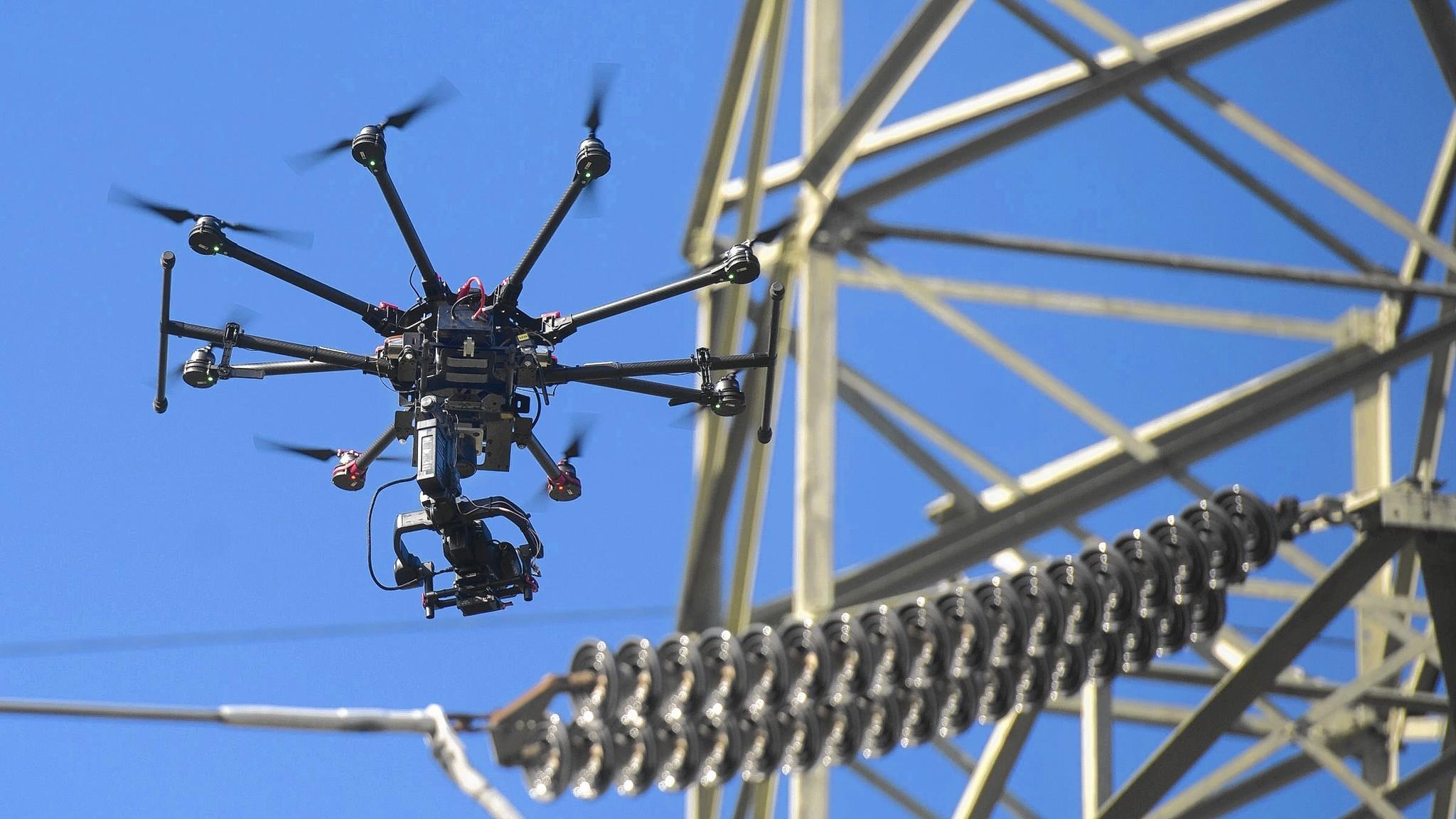 2026年输配电对无人机和机器人需求达132亿美元
