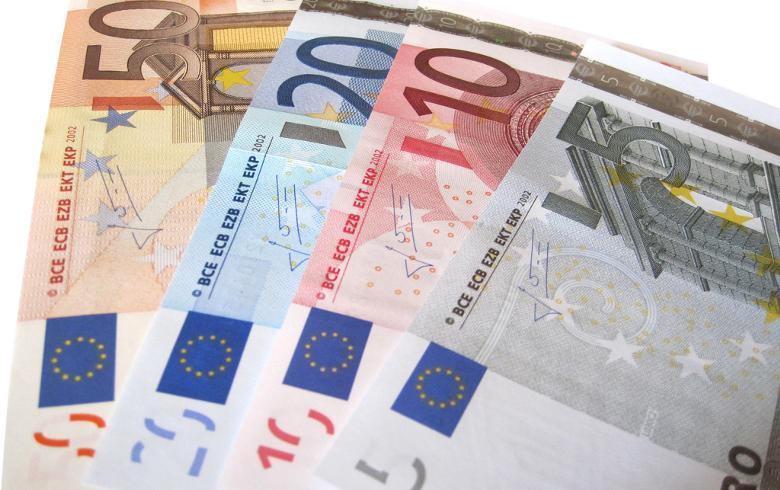 波兰第二次发行绿色债券 总额达10亿欧元