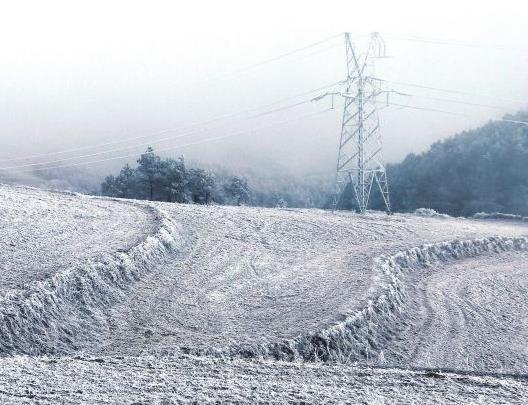 云南电网积极应对雨雪灾害确保电力可靠供应