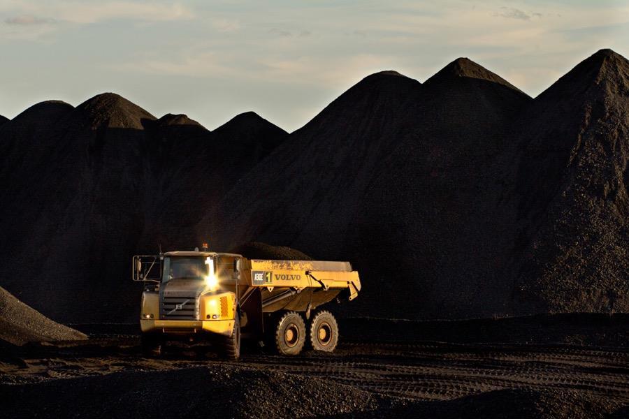 力拓最后两座煤矿出售吸引竞标者25亿美元报价