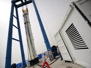 国内首台超大型双作用式全液压打桩锤成功完成试验