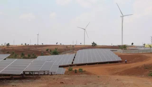 无锡尚德为印度首个风光互补电站项目提供光伏组件