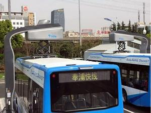 """上海首条BRT""""奉浦快线""""正式载客运营"""