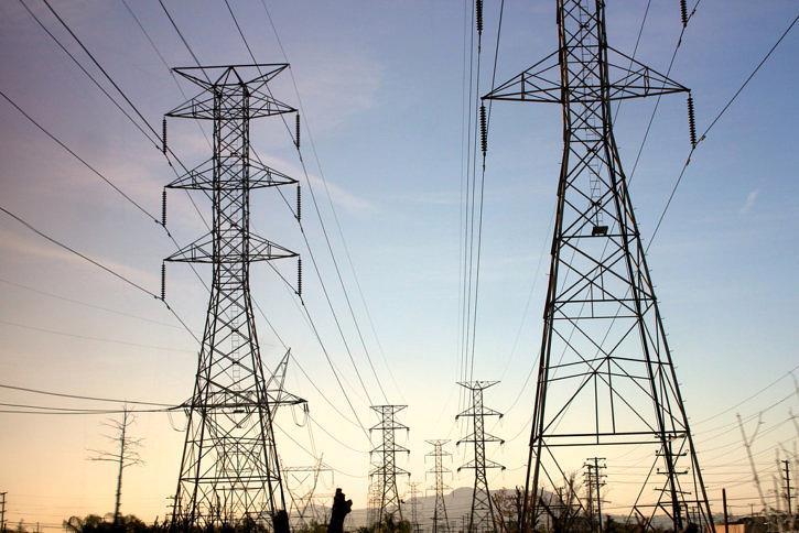 乌干达电力分销商Umeme拟斥资12亿美元扩建电网