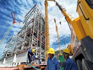 伊犁煤电公司热电联产项目完成一号锅炉受热面吊装