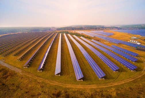 印度:过去4年可再生能源投资超420亿美元