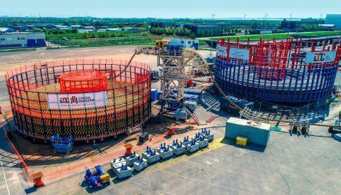 斯旺亨特造船公司新设备进行输出电缆装载操作