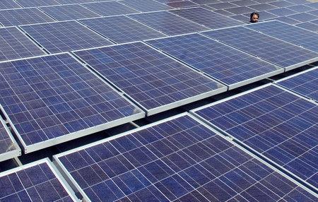 雪上加霜 美对华进口太阳能产品征收额外25%关税