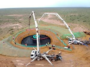 黄河公司海南州40万千瓦风电项目首台风机基础完成浇筑