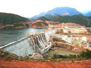 2017年全国农村水电发电量 2477.2 亿千瓦时