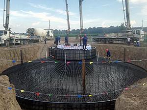 河南开封通许49.5兆瓦风电场首台风机完成混凝土浇筑