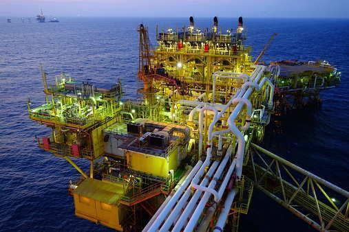 人员臃肿及油价下跌 中石化油服计划裁员4000人