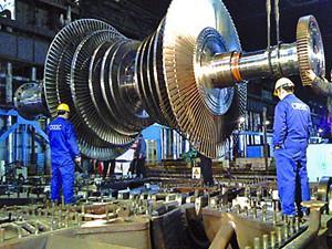 四川省首台百万千瓦发电机定子桥式车组正式起运