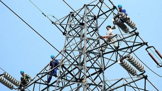 """""""山竹""""过境 广东电网已恢复超七成用户电力供应"""