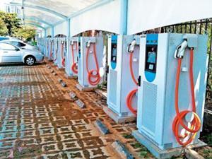广东广州番禺区规模最大新能源汽车充电站落成启用