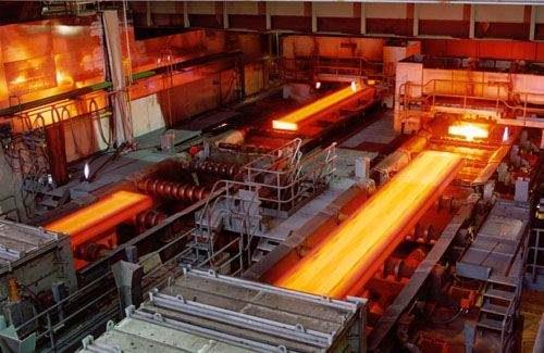 2019年2月重点钢铁企业销售钢铁制品9320.04万吨