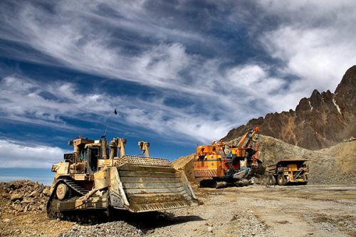 *ST地矿持续亏损 抛售铁矿扭转业绩