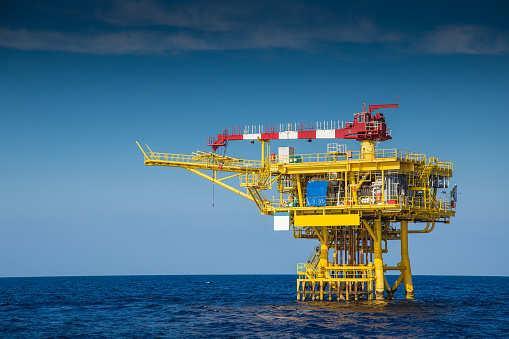 美国制裁豁免期结束 韩国暂停对伊石油进口
