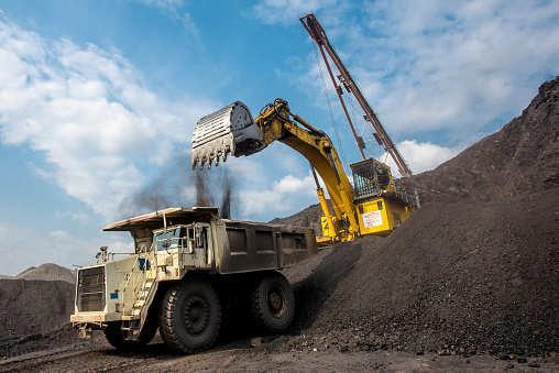 印度21个邦政府制定法规遏制非法采矿