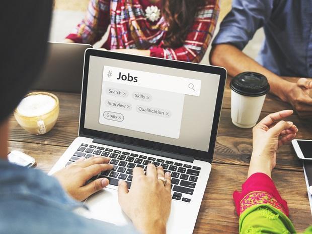 贸易困难致美国企业8月减少工作岗位10,488个