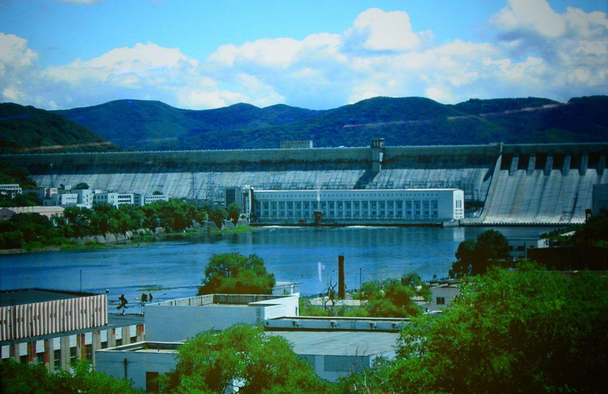 """中国""""水电之母""""丰满水电站重建工程首台1号机组投产"""