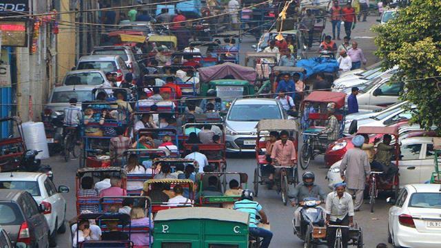 印度猛推电动汽车 半年仅售8000辆