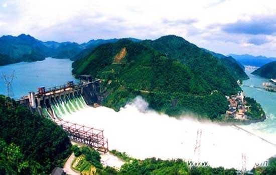 中企承建老挝东萨宏水电站首台机组投入商业运行