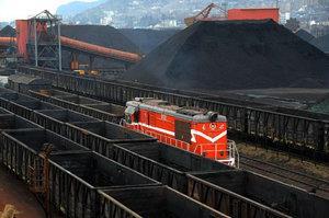 1-10月湖北铁路发运煤炭42.8万吨 同比下降12.5%