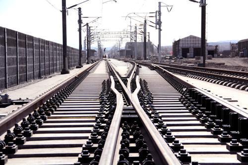 """铁路系统382名领导被问责 甘青铁路书记被""""摘了帽子"""""""