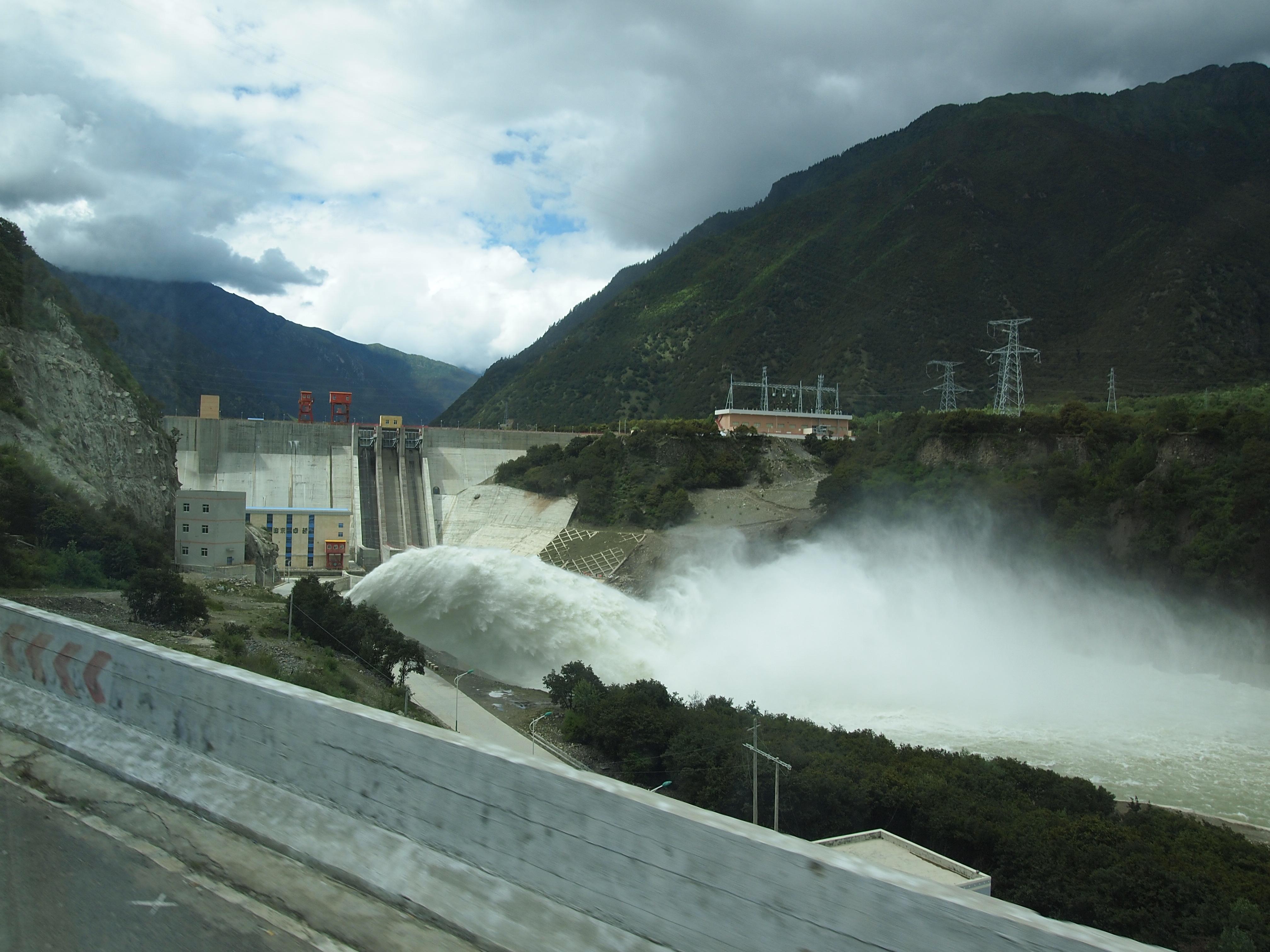 大唐华银怀化水电企业小洪电站1、2号机组投产发电