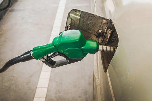 IEA:2020年石油市场供应充足 平均油价65美金/桶