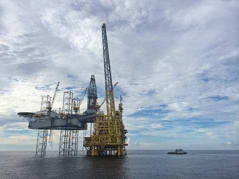 2019年全球新增海上油气项目规模超过920亿美元