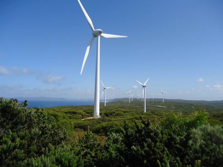 云南黑巴38兆瓦风电项目机组安装完成