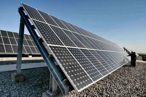 新疆首个50兆瓦太阳能光热发电站并网发电