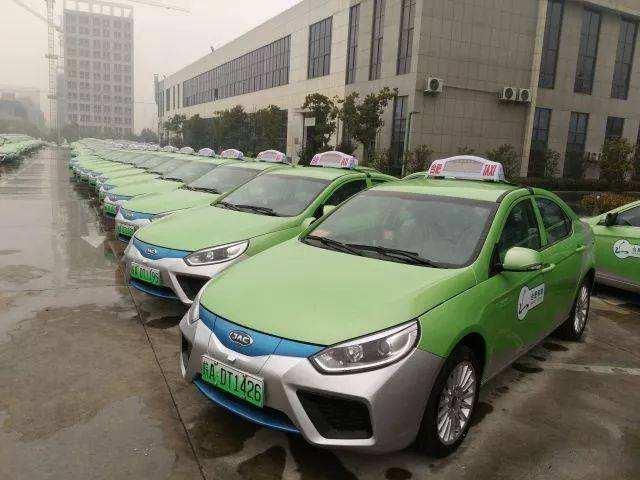 公共领域新能源汽车推广面临多重挑战