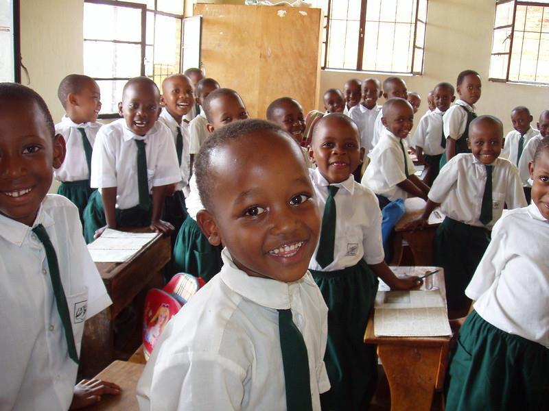 到2024年卢旺达将实现全国所有中学接入互联网