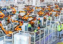 恒大造车基地:2545台装配机器人 平均1分钟下线1辆车