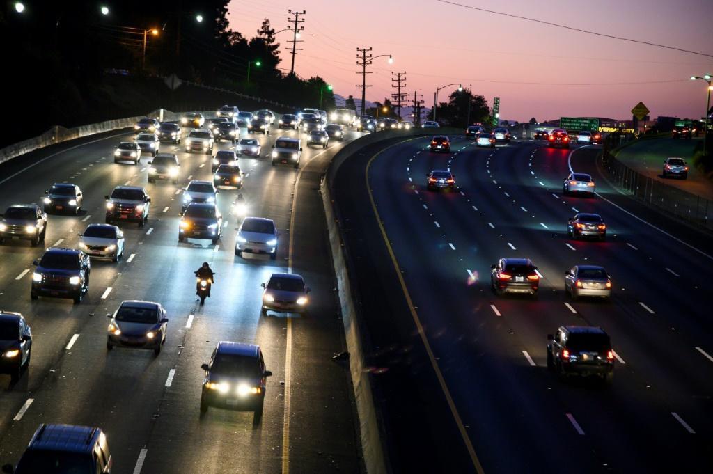 到2035年美国加州将禁止燃油乘用车销售