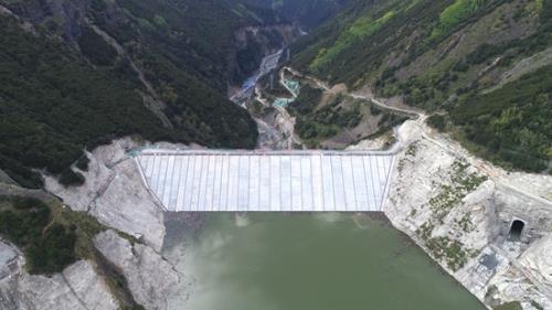 四川省重点项目古瓦水电站首台机组转入商业运行