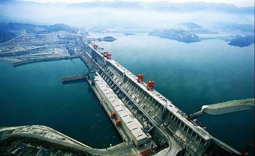 三峽電站34臺機組今年首次滿負荷運行