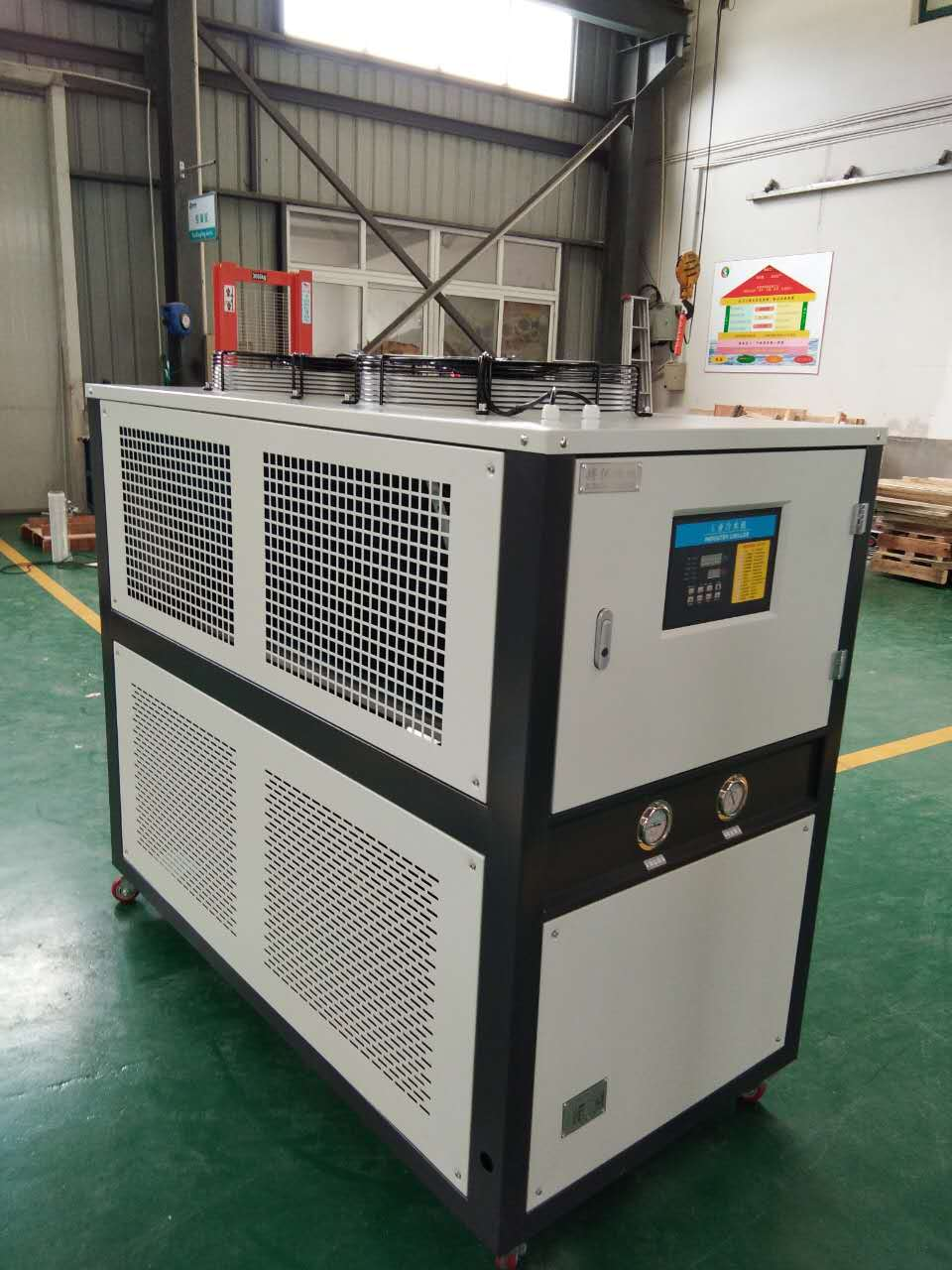 控溫設備冷水機的用處