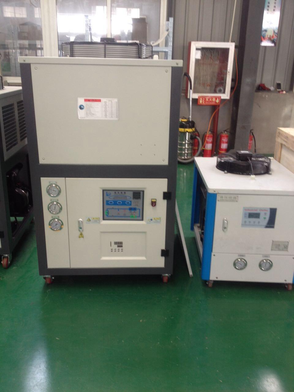 硫化机用上冷水机的作用