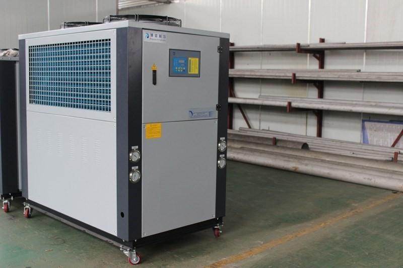 板材挤出机冷却,用挤出机专用冷水机节能